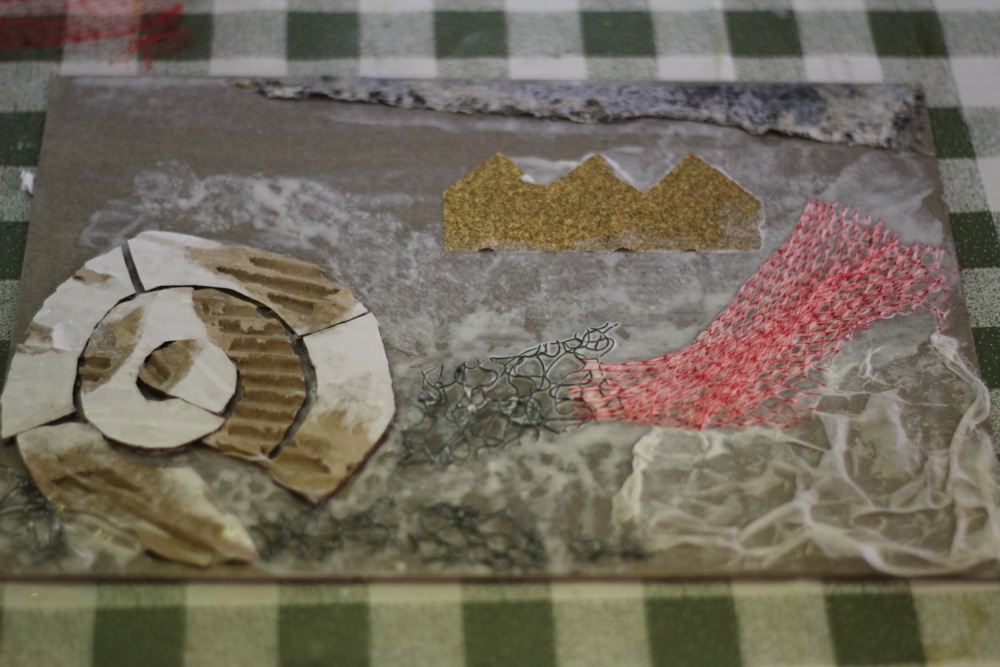 Gluing textured materials to a collagraph plate